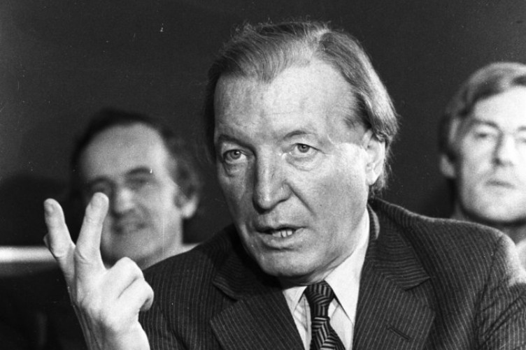 gubu-on-tv3charlie-haughey-752x501