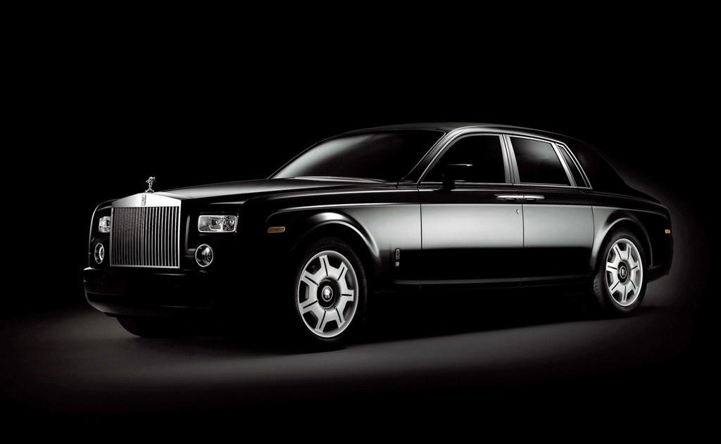 2006-Rolls-Royce-Phantom-Black-SA-1024x768